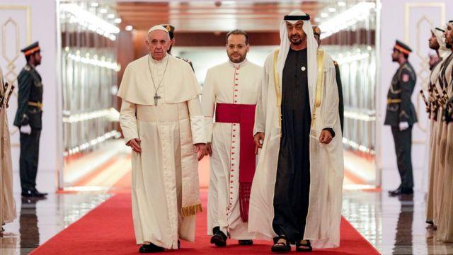 ولي عهد أبو ظبي، محمد بن زايد آل نهيان، يستقبل بابا الفاتيكان، البابا فرنسيس