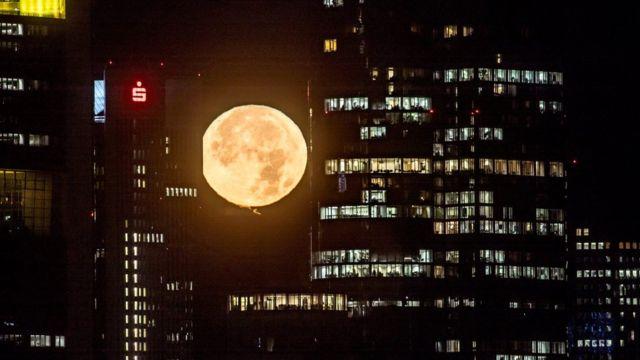 Supermoon, bulan, Frankfur