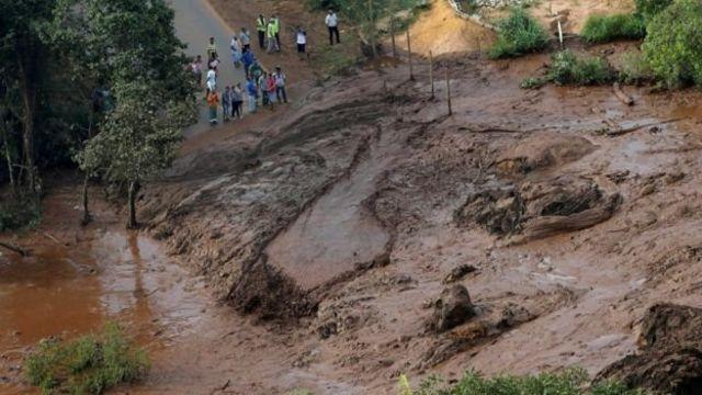 Дороги в районе разрушены