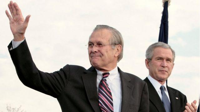 Rumsfeld na Bush
