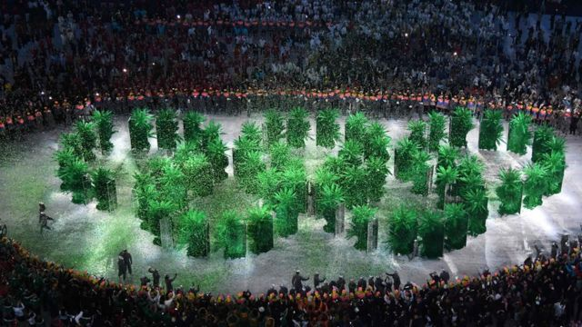 Os aneis olímpicos, formados por árvores