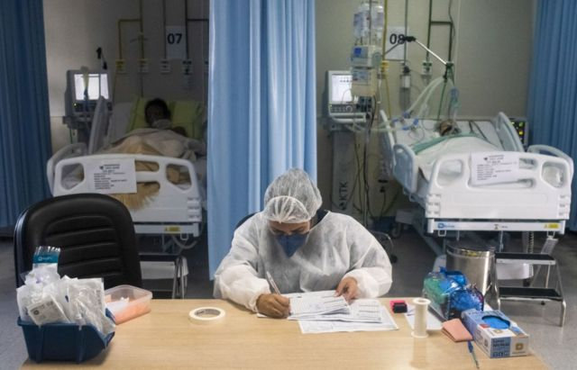 Enfermera en un hospital