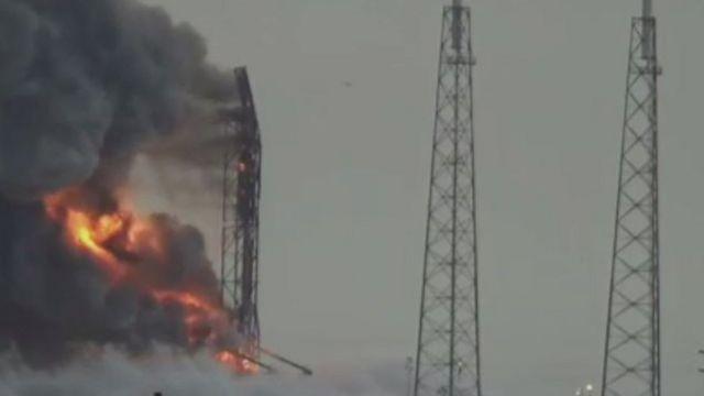 انفجار الصاروخ فالكون9