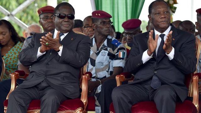 Bédié et Ouattara, ici en 2015, lors de l'inauguration du pont Philippe Gregoire Yace à Abidjan