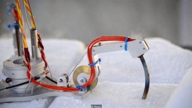 બરફમાં કામ કરી શકે તેવા રોબોટ