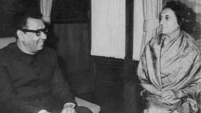 भारतीय प्रधानमंत्री श्रीमती इंदिरा गांधी के साथ ताजुद्दीन अहमद