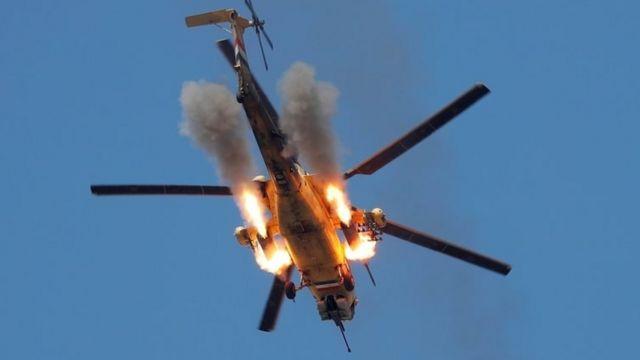 هلیکوپترهای عراقی در حال بمباران مواضع داعش