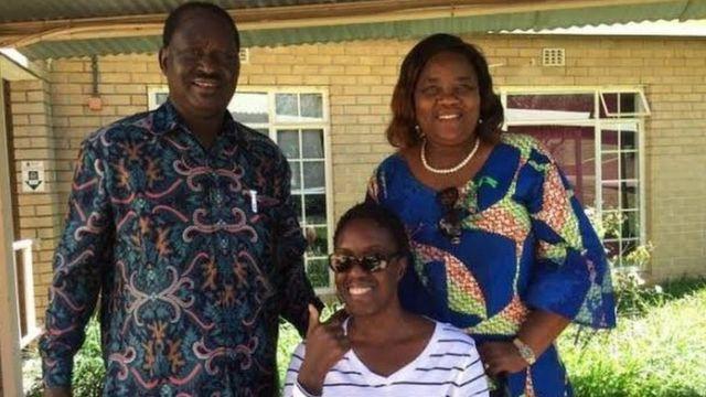 Bi Rosemary Odinga (katikati) alipoteza uwezo wa kuona kwa muda wa miaka miwili