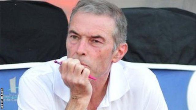 """""""Il y a de la satisfaction dans le résultat et le contenu de notre jeu"""", a déclaré Michel Dussuyer après le match nul contre les Français."""