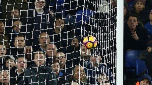 Everton Fans watch Ibrahimovic's goal