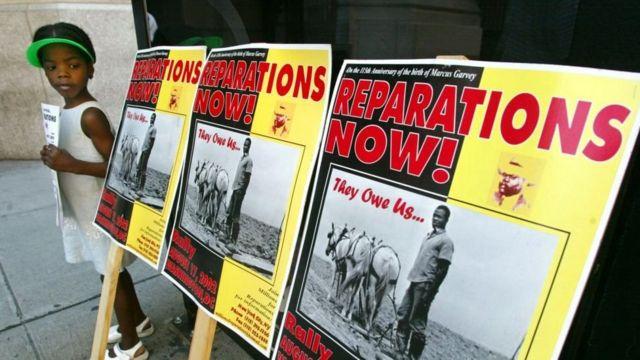 Protesto pedindo reparações pela escravidão nos EUA