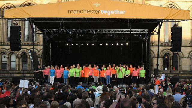 Choir performs at Manchester Together