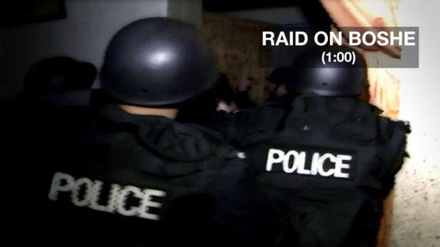 Chinese police make a drugs raid