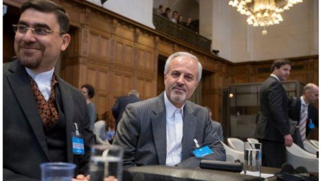 نمایندگان دولت ایران پیشتر متن شکایت این کشور از آمریکا را به دیوان بین المللی دادگستری تسلیم کرده بودند