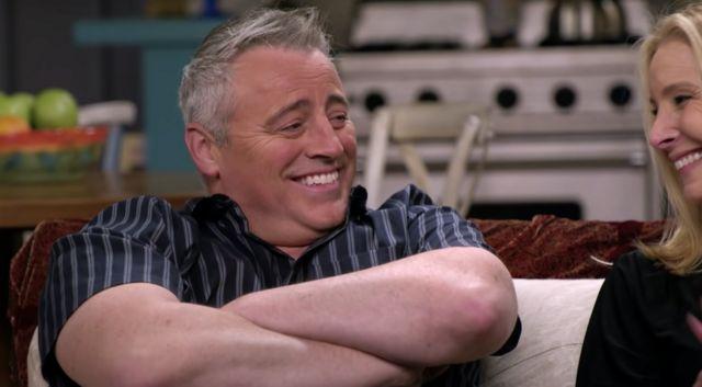 Matt LeBlanc y Lisa Kudrow en el set de Friends