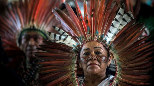 indígenas Perú y Bolivia