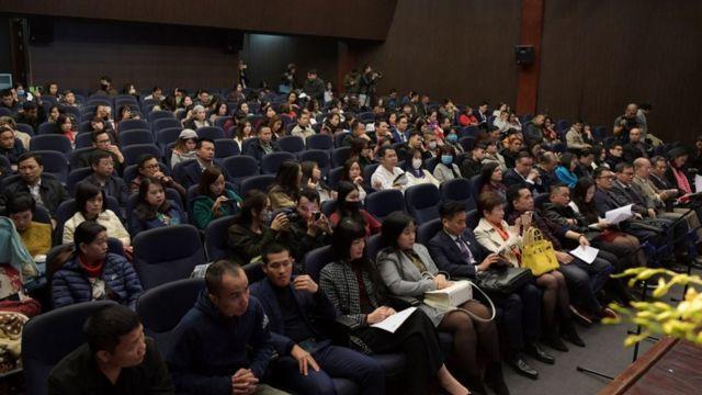 Nhiều khách từ các khu vực khác nhau tham dự buổi ra mắt