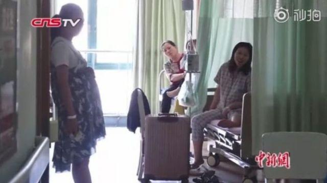 CNS nói số phụ nữ có bầu tới bệnh viện khám tăng 30% trong tháng tám so với các tháng khác