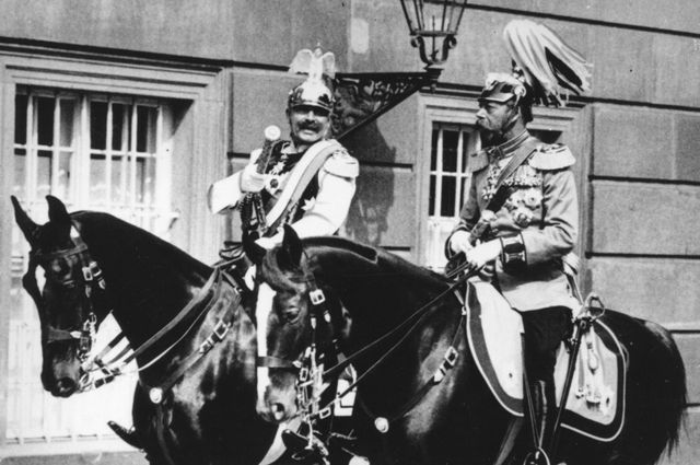 Guilherme 2º (à esquerda) e George 5º