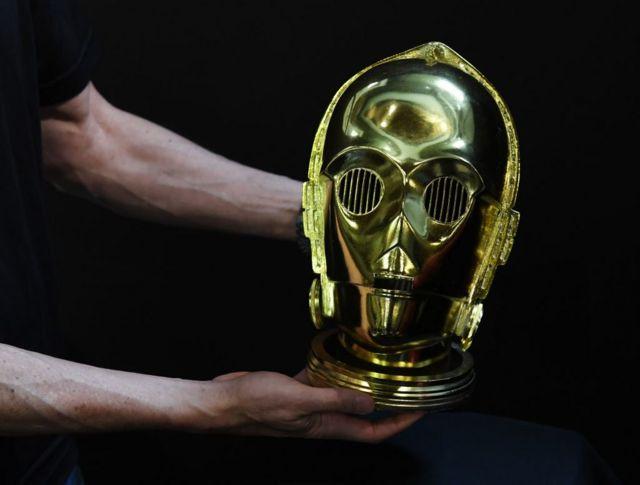 """Голова андроила C3PO из """"Звездных войн"""""""