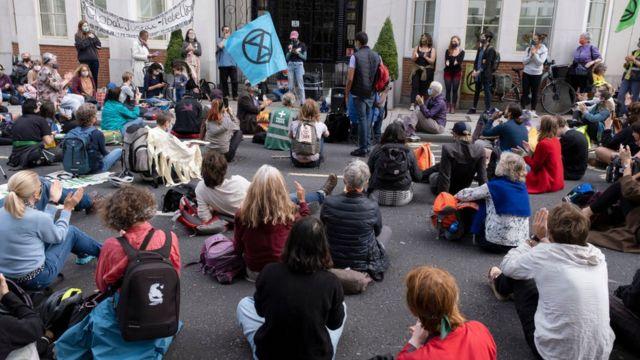 기후운동단체 '멸종저항(Extinction Rebellion)'은 정상 회담동안 일련의 시위를 계획하고 있다
