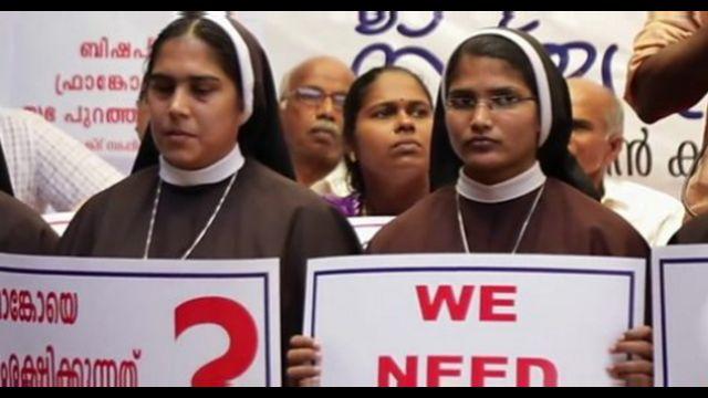 Protesyo yapan rahibeler