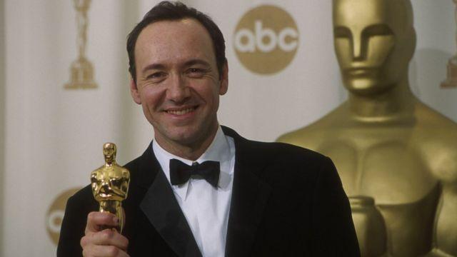 """Кевин Спейси получил Оскара в 2000 году за исполнение главной роли в фильме """"Красота по-американски"""""""
