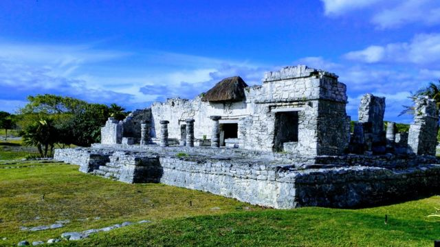 Vista de las ruinas mayas de Tulum, en el Caribe mexicano.