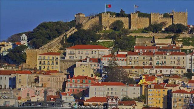 Foto de muralhas de Lisboa