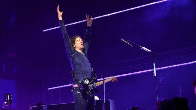 Bono surprise Snow Patrol performance elevates fans