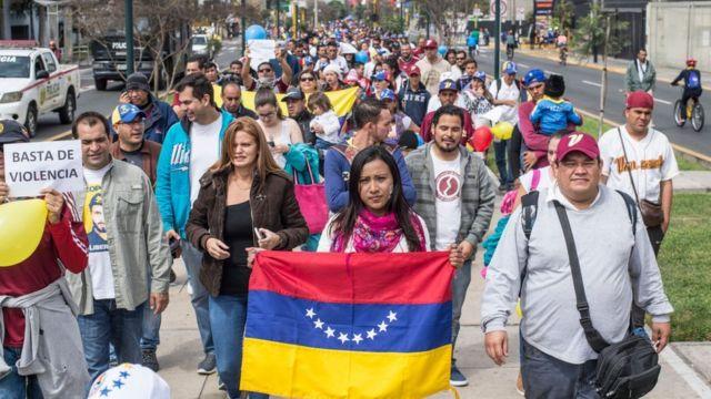 Millones de personas han emigrado de Venezuela buscando escapar de la crisis que vive ese país.