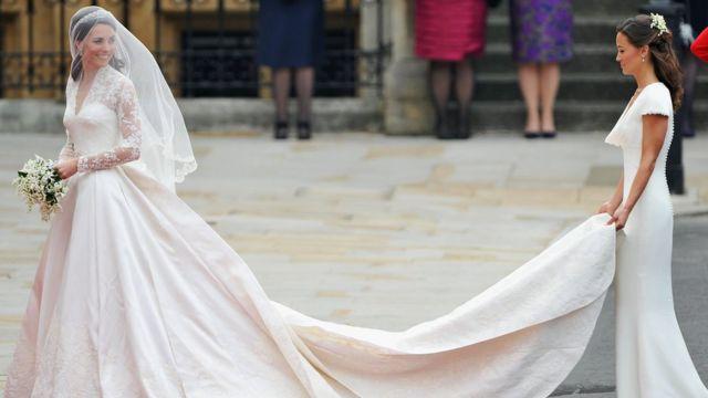 Кейт и Пиппа Миддлтон на свадьбе