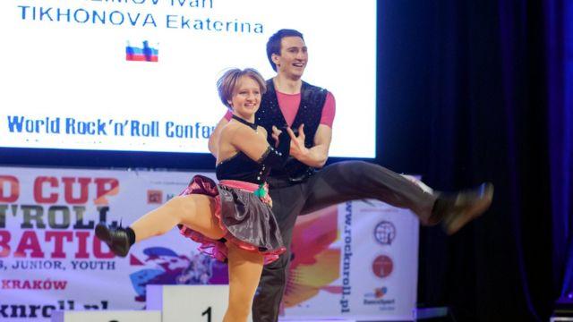 Катерина Тихонова со своим партнером по танцам Иваном Климовым на чемпионате в Кракове в 2014 году