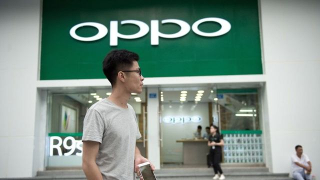 Samsung ve Oppo bu yıl itibarıyla Türkiye'de akıllı telefon üretimine başlıyor. Bu şirketleri çok sayıda Çinli üretici takip edecek. Peki bu şirketler akıllı telefon üretimi için neden Türkiye'yi tercih ediyor, bu durum telefon fiyatlarına nasıl yansır?