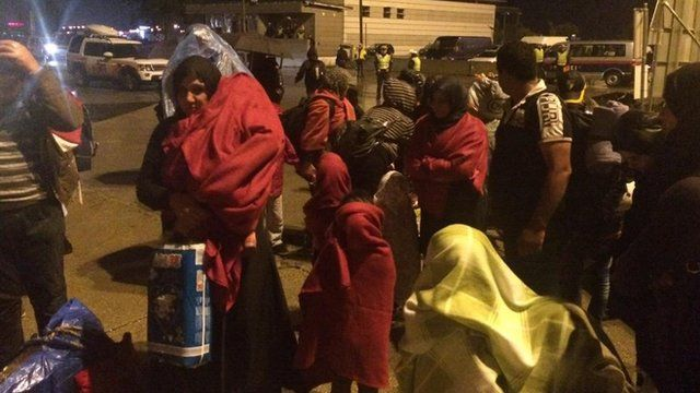 Migrants arrive in Austria from Hungary