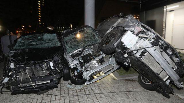 Автомобілі, пошкоджені через тайфун в Японії