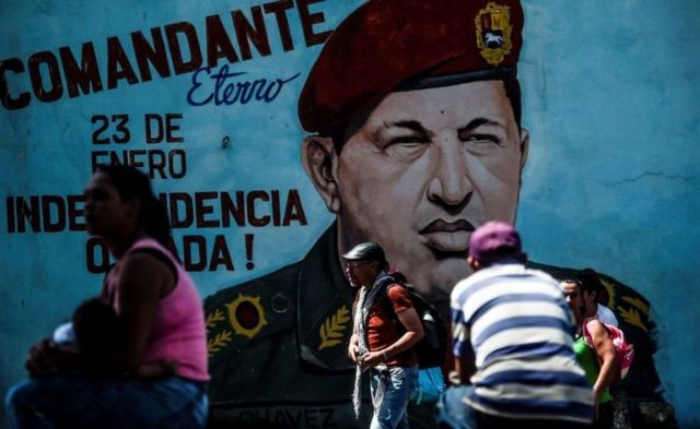 "Mural de Chávez, ""comandante eterno""."