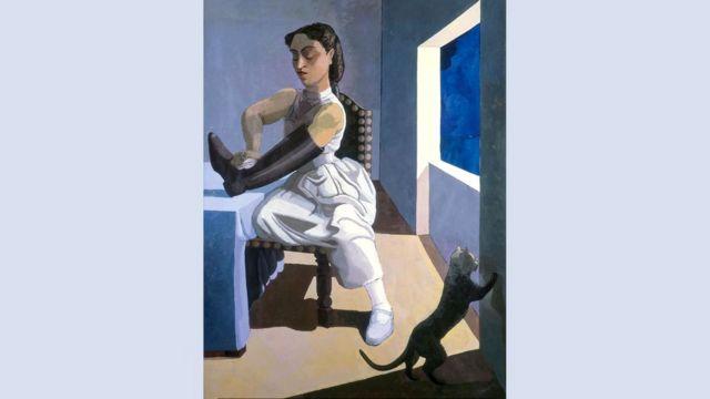 """Женщина со злым выражением лица чистит сапог на картине Регу """"Дочь полицейского"""" (1987 г.)"""