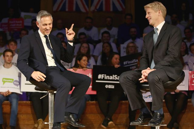 Match of the Day host Gary Lineker interviews Jo Johnson at a People's Vote rally