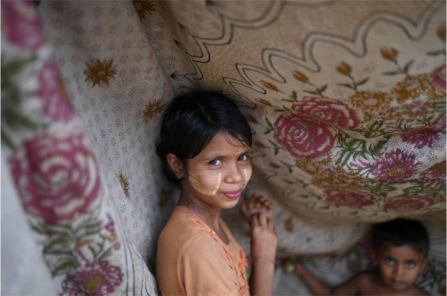 一名羅興亞難民女孩