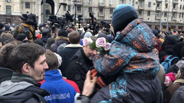 митинг в Лермонтовском сквере