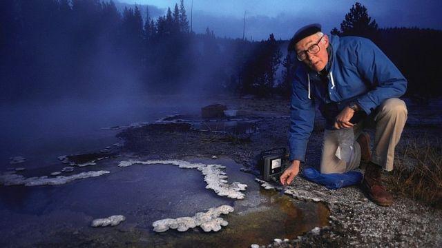 Thomas Brock descubrió en los manantiales termales de Yellowstone la bacteria que fue clave para el análisis del ADN.(Foto de archivo)