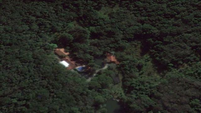 Visão de satélite do Google Earth do sítio de Atibaia atribuído à Lula pelo MPF