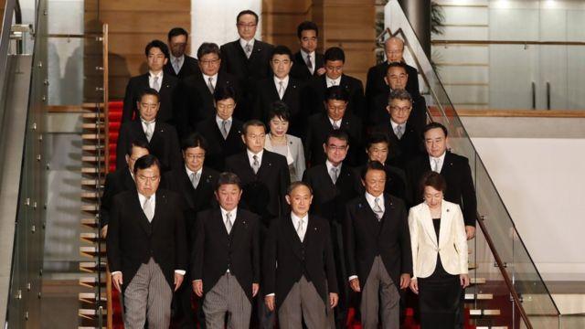 2020年9月に菅義偉首相が発表した組閣人事には、女性はわずか2人しか含まれていなかった