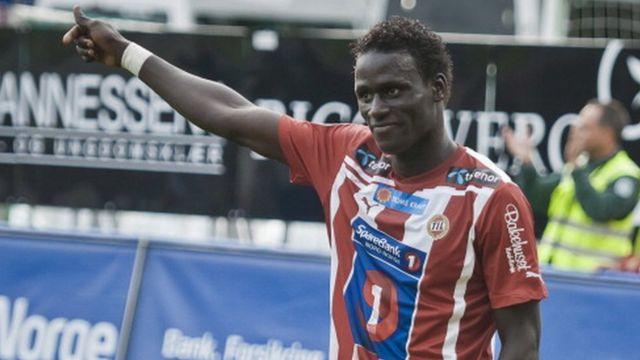 Anderlecht est allé prendre les 3 points de la victoire sur le terrain de Genk grâce à un but du sénégalais Serigne Mbodj et à un autre but du tunisien Hamdi Harbaoui.