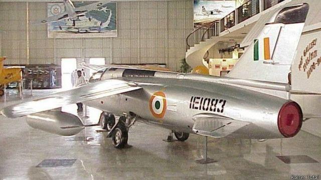 पाकिस्तानी म्यूज़ियम में रखा हुआ भारतीय नेट विमान.