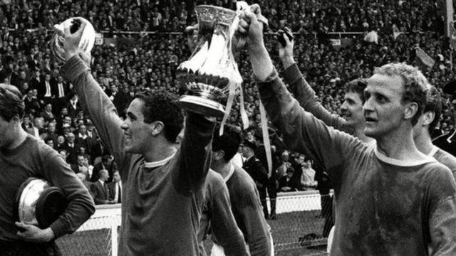 Alex Young yayin da Everton ta dauki kofin FA a 1966