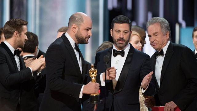 """Плутанину з """"Оскаром"""" за найкращий фільм вирішили"""