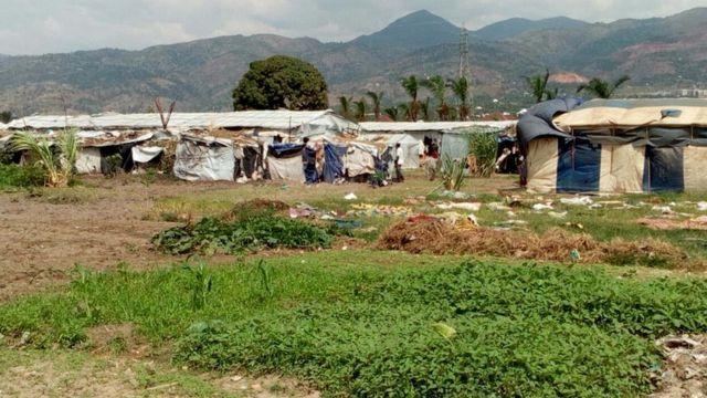 Haheze imyaka itatu abantu baba muri site Carama bimuriwe ngaho babakuye ku nkengera y'ikiyaga Tanganyika