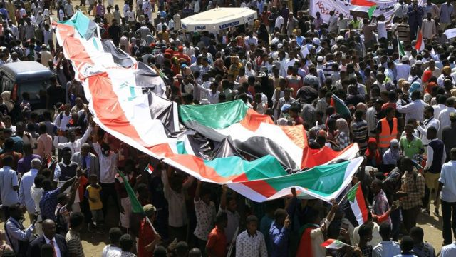 Sudan crisis: 'Million-strong march' for civilian rule